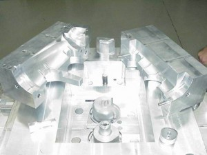 Aluminum Tooling Injection Mold | 9 Handloads | 3 Weeks Delivery